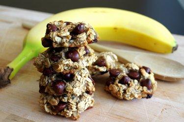 Banánovo-ovesné cookies bez mouky, cukru a vajec ze 3 ingrediencí