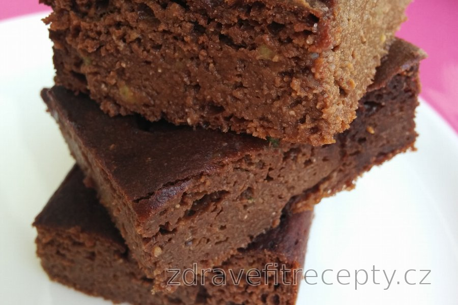 Zdravý avokádový čokoládový koláč