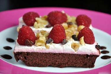 Kakaový koláč s červenou řepou bez mouky