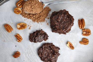 Avokádovo-kakaové cookies bez mouky