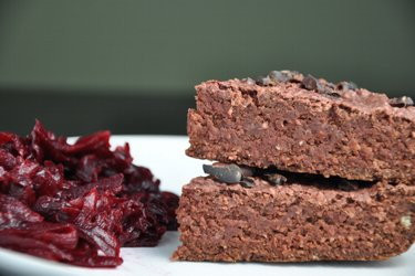 Ovesné brownies s červenou řepou (bez mouky)