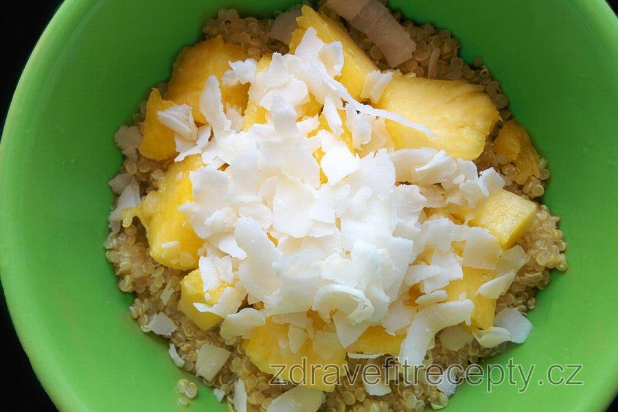 Exotická kokosová-ananasová quinoa