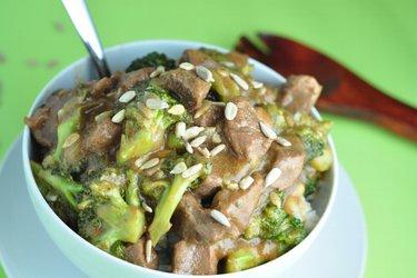 Hovězí maso s brokolicí