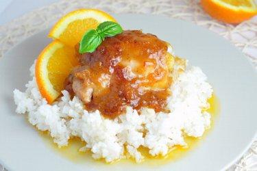 Kuřecí stehna s pomerančovou omáčkou