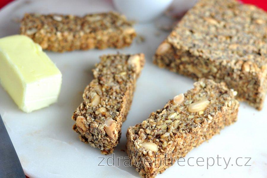 Semínkový ovesný chléb (bez mouky)