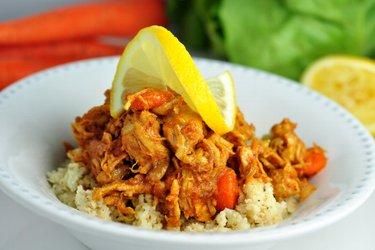 """Nízkosacharidová kuřecí prsa s mrkví a květákovou """"rýží"""""""