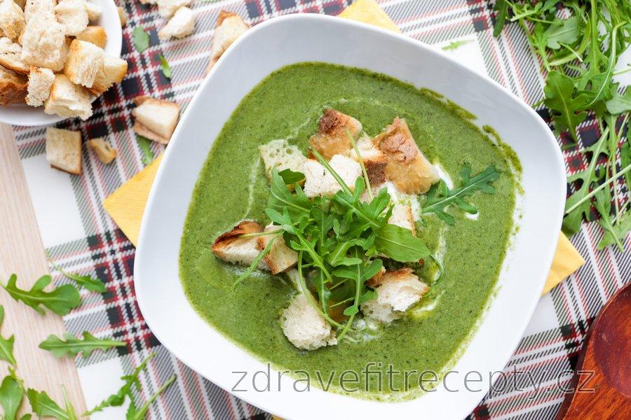 Krémová brokolicovo-špenátová polévka