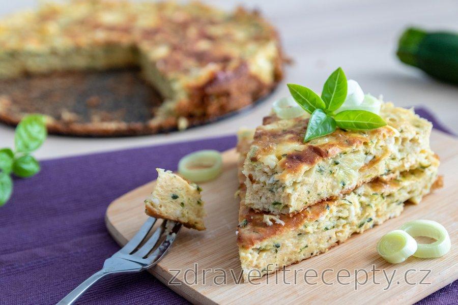 Slaný fit cuketový koláč s cottage sýrem