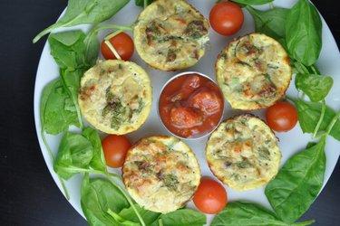 Zdravé vajíčkové muffiny s tuňákem
