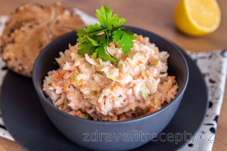Odlehčený, zdravý coleslaw salát
