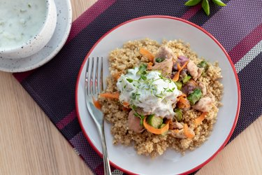 Kuřecí maso s chřestem, quinoou a tymiánem